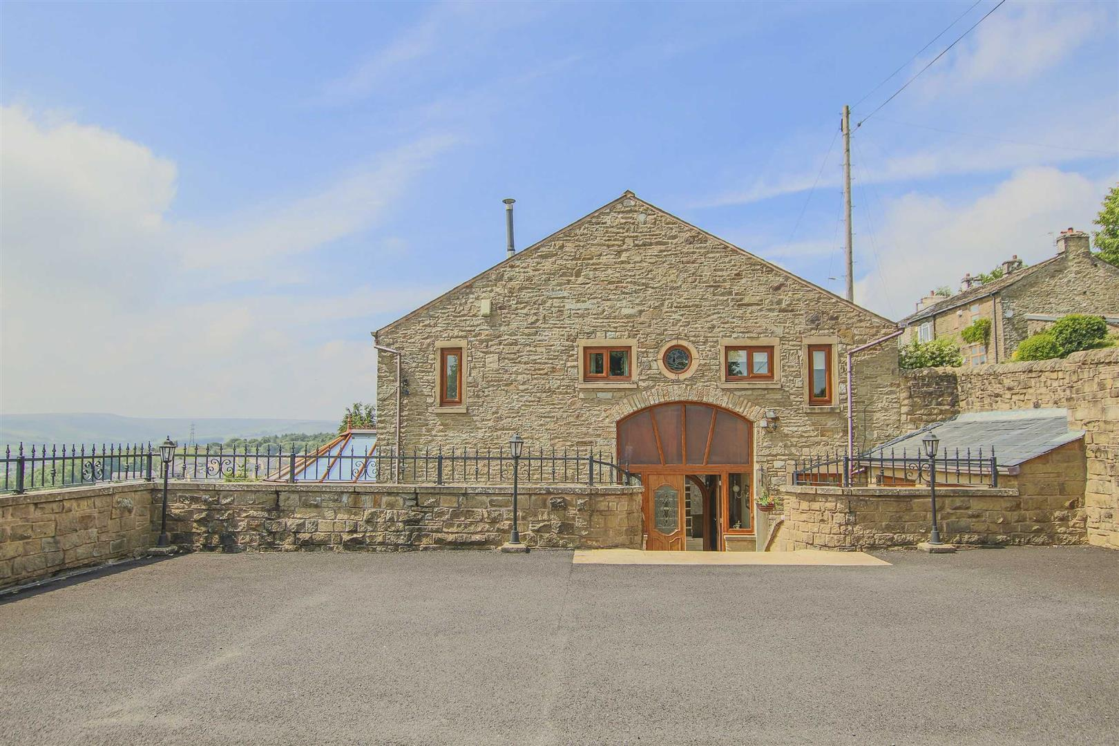 4 Bedroom Barn Conversion For Sale - p033135_38.jpg